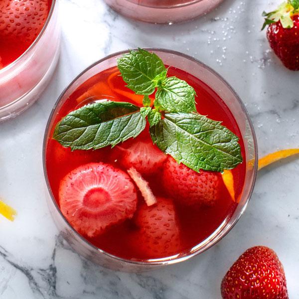 Strawberry Kompot: Homemade Fruit Drink