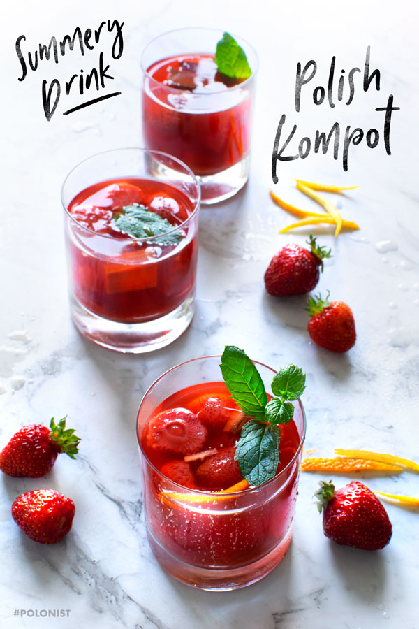 Polish Strawberry Kompot: so light and refreshing! #polonist #polishrecipes #strawberries #summerrecipes
