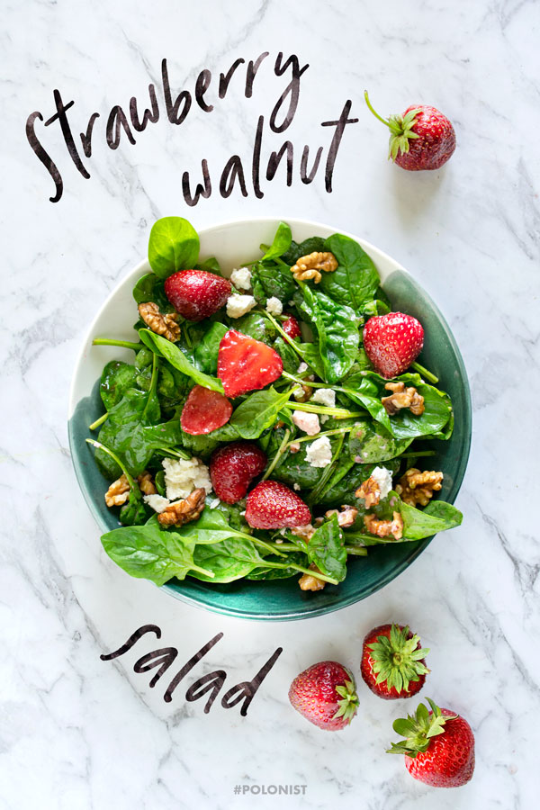 [Recipe in English] Beautiful salad made out of Polish ingredients: Baby Spinach, Strawberries, Walnuts and Goat Cheese.