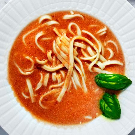 Pomidorowa: Polish Tomato Soup