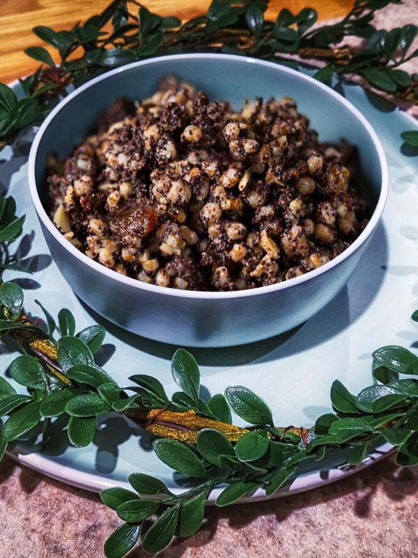 Kutia: Poppy Seed Christmas dessert